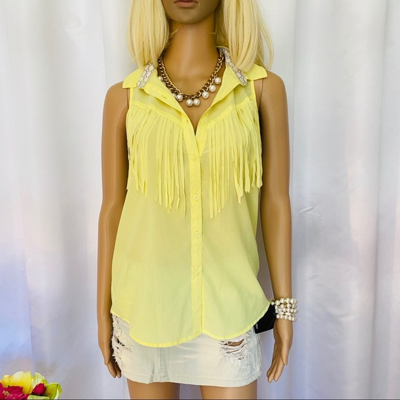 BUNDLE ONLY Kendal & Kylie fringes button up top